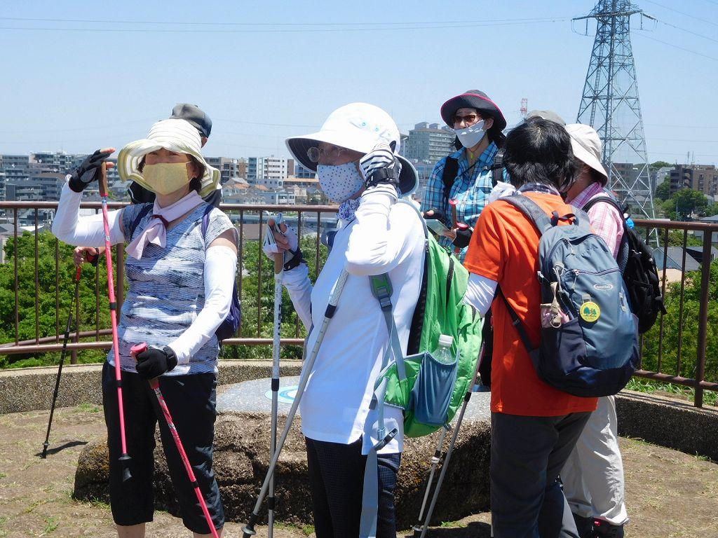 此方の皆さんも「富士山見えないね~」