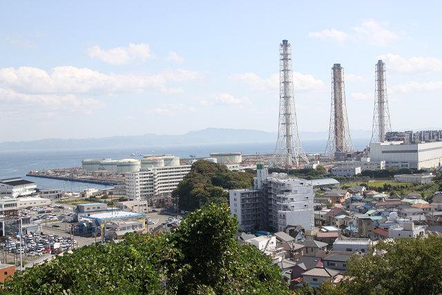 同じく登坂での景観 東京ガスの煙突ですかね