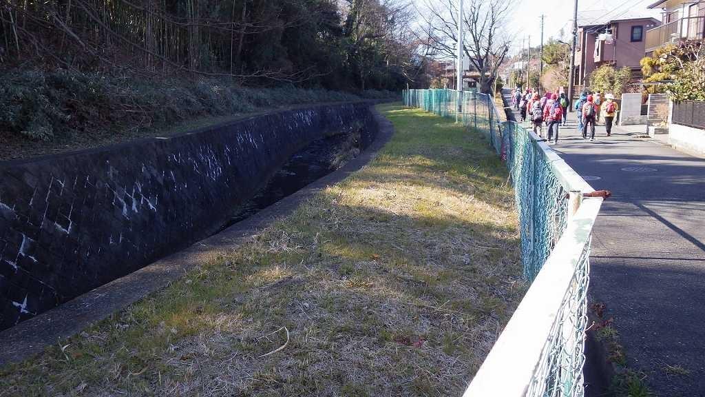 川幅も一挙に狭くなり源流に近くなった感じです
