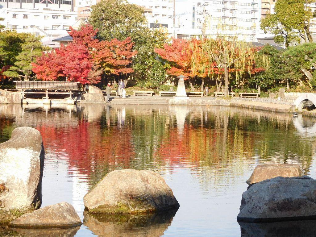 龍仙湖の紅葉