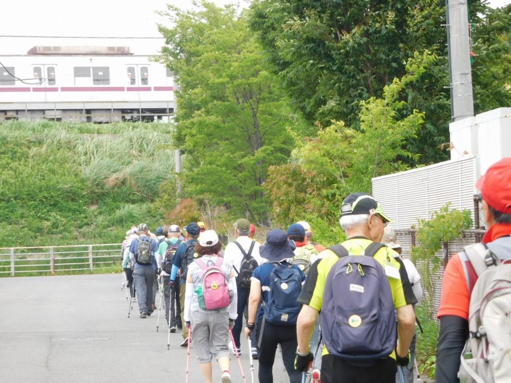 谷本公園から藤ヶ丘へ向けて歩く