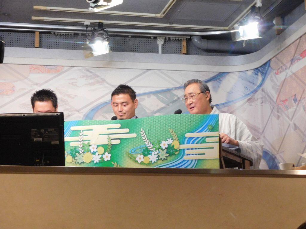NHK解説関の五郎丸氏と名解説で人気の元横綱北の富士