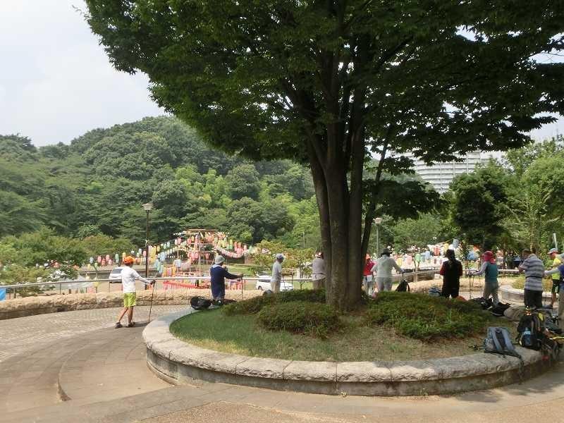 山田富士公園は明日のお祭り準備で忙しそうです。