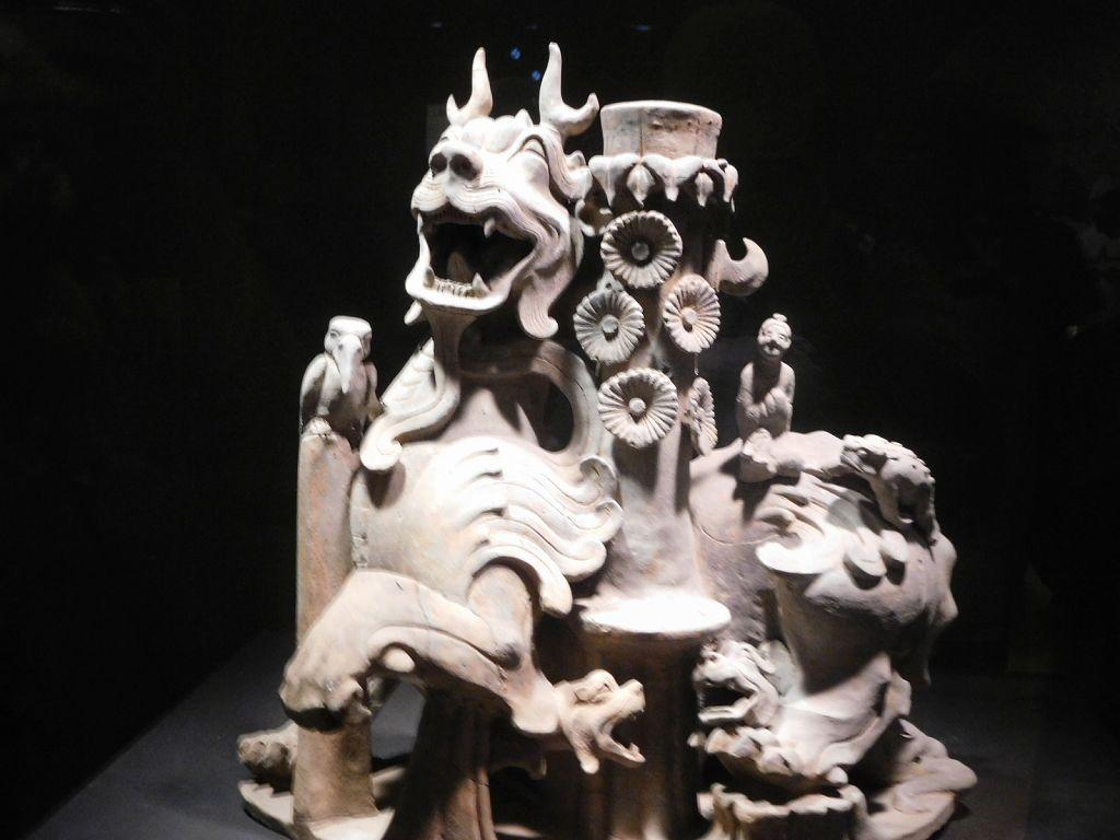 揺銭樹台座(ヨウセンジュダイザ 富裕層が墓に埋蔵した) 金のなる木の台座