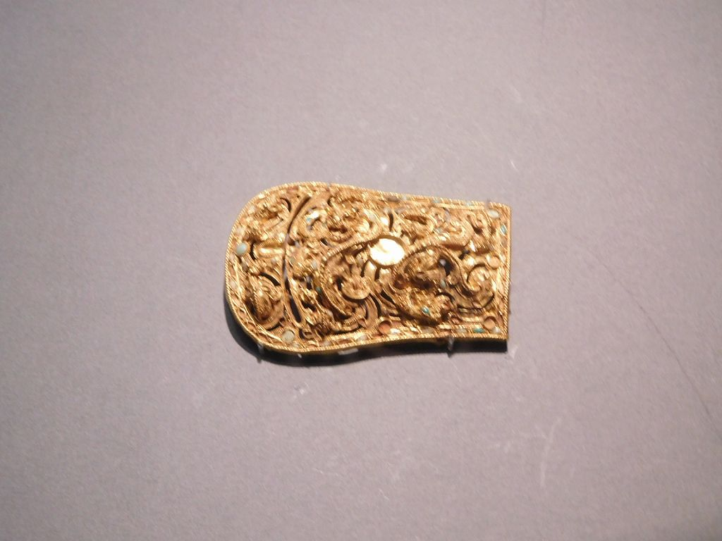 黄金の帯金具