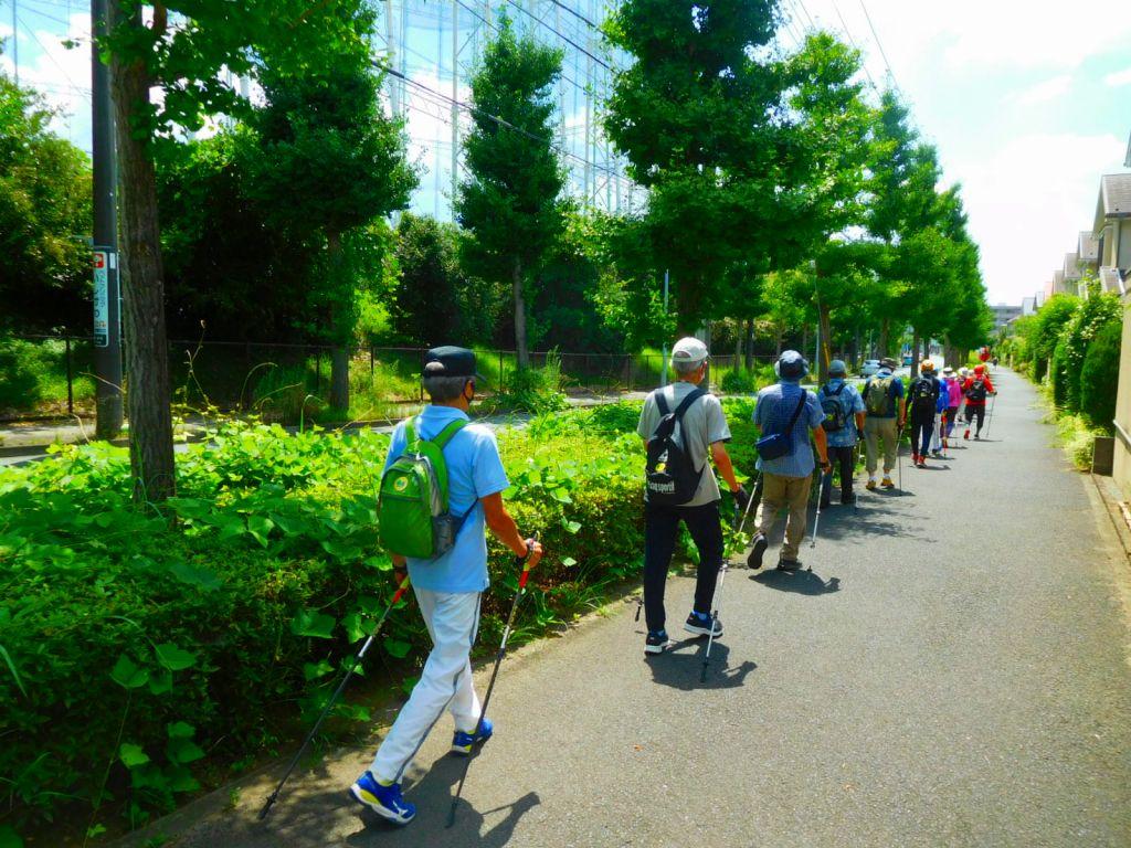 剣山ゴルフ横を歩く アイスキャンディが待っているガンバレ