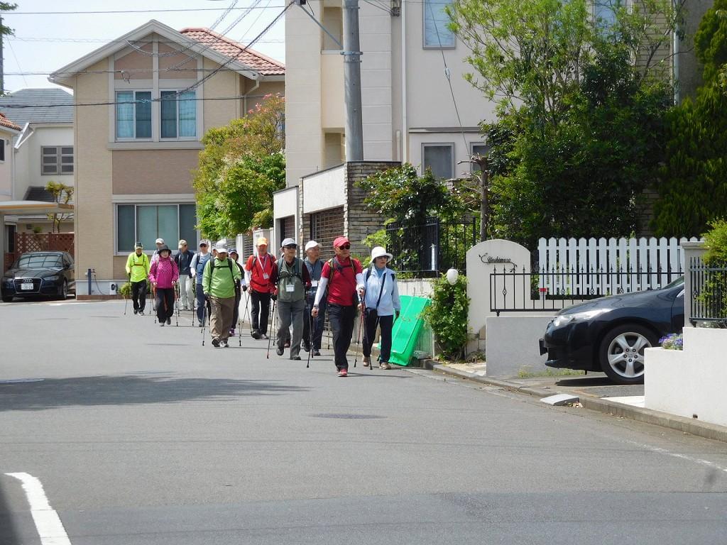 初めて歩く「あざみ野南」の住宅街です