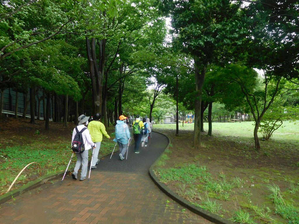 荏田猿田公園内を歩く