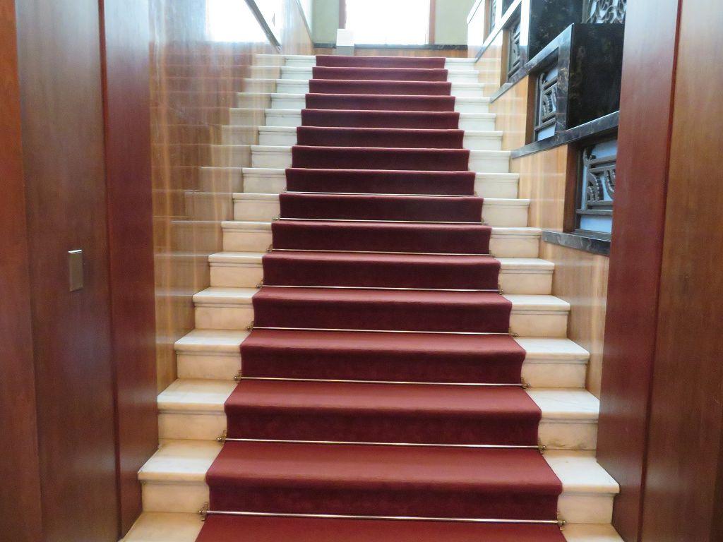 ミケランジェロの使った白大理石の階段