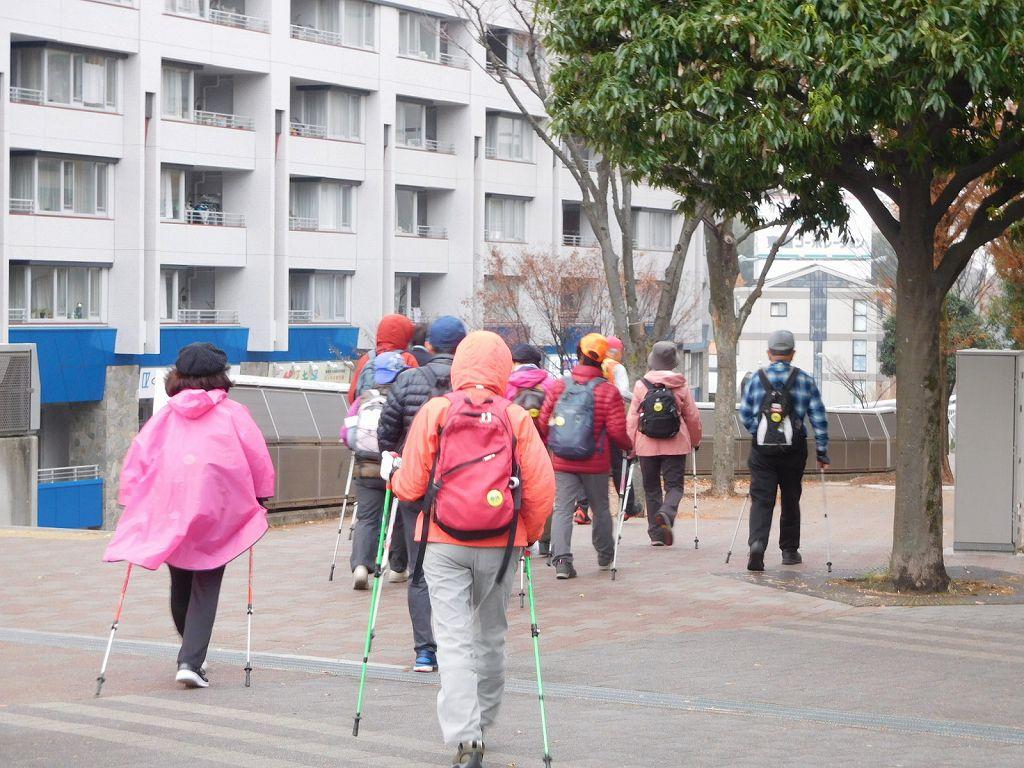 センター北まで歩く人がスタート