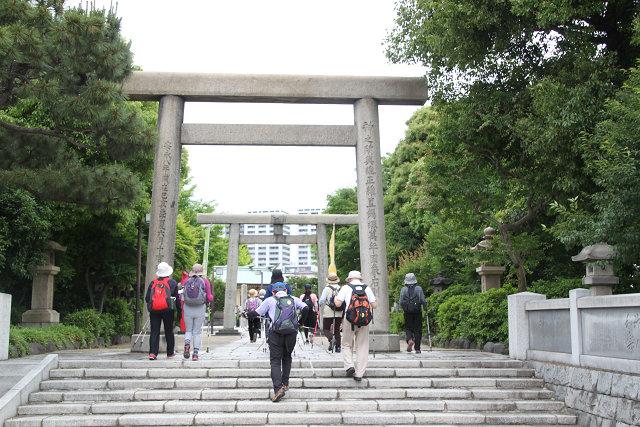 724年勅願によって鎮座 以来1294年余の石濱神社
