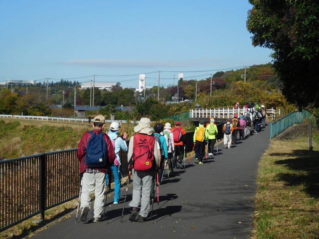 鶴見川を歩く