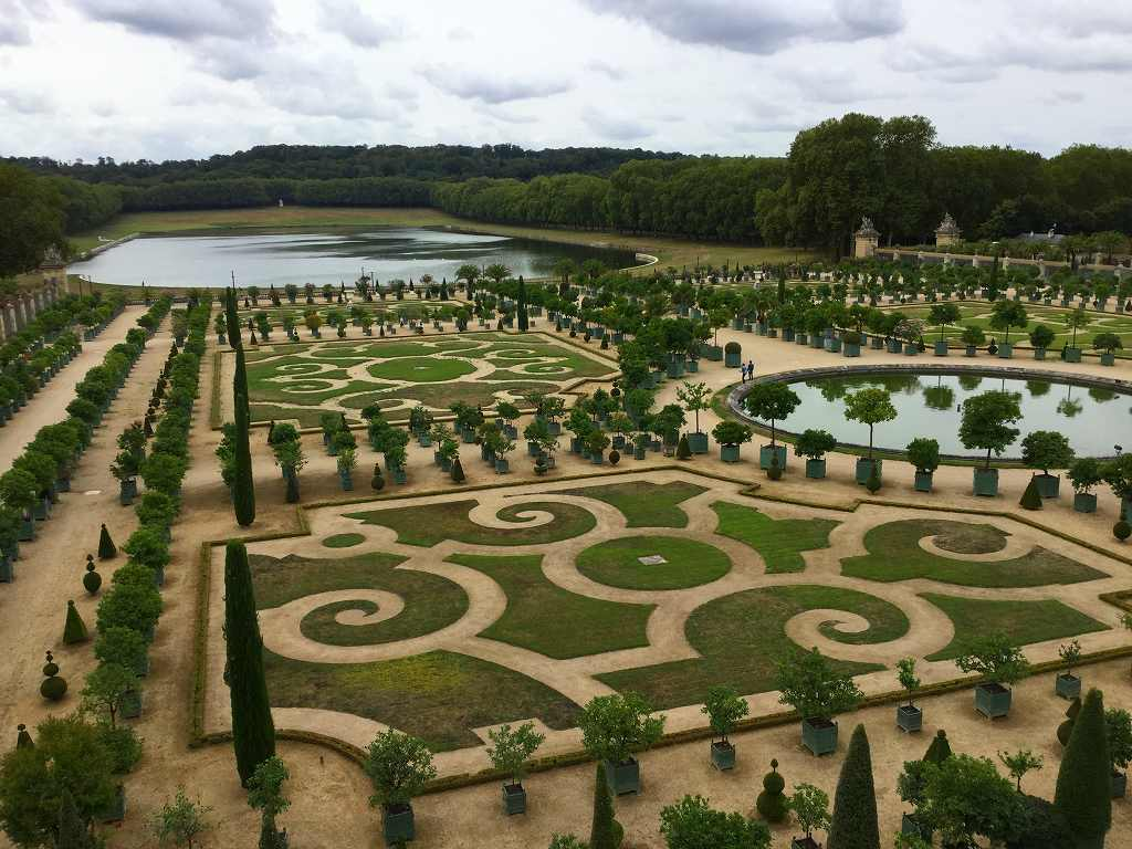 ヴェルサイユ宮殿の庭 1