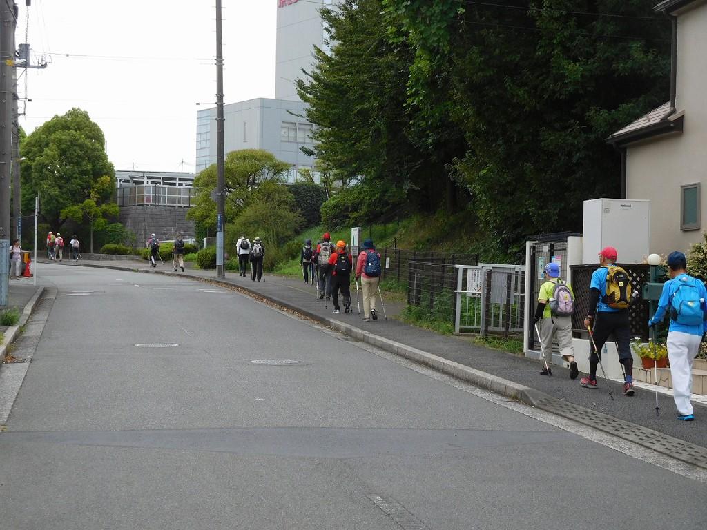 川和台の住宅地を歩く