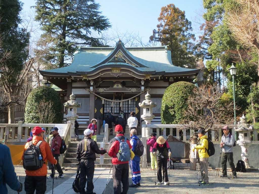 杉山神社で順番にお参り。何を神頼みしたのかな~