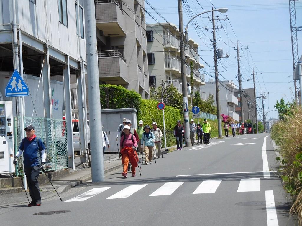東急田園都市線の横道を歩いてます