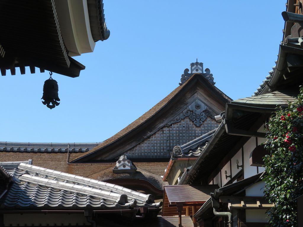 その奥には天台宗総本山円城寺(三井寺)の日光殿を移設した月光殿がある