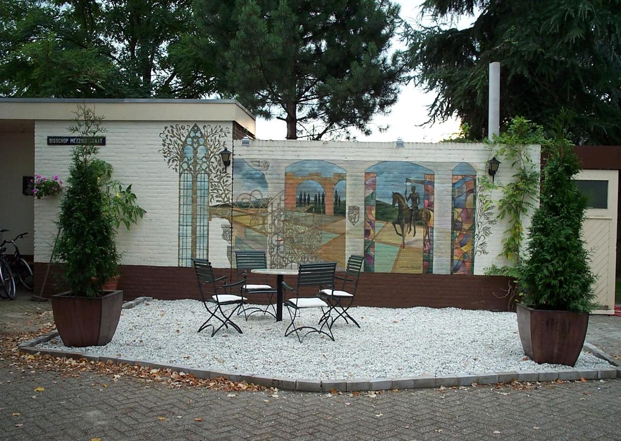 muurschildering Mirthe Sleper op de binnenplaats aan de Asterstraat in Oss