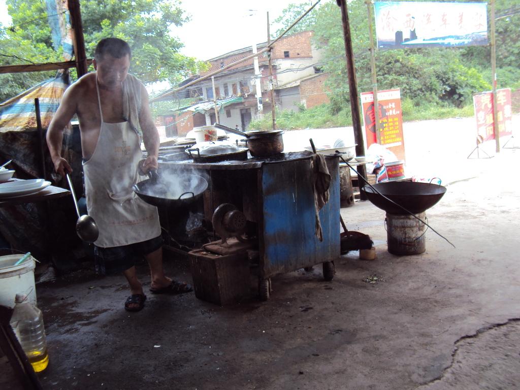 Miam miam, la cuisine au wok vous assure que tout est désinfecté!