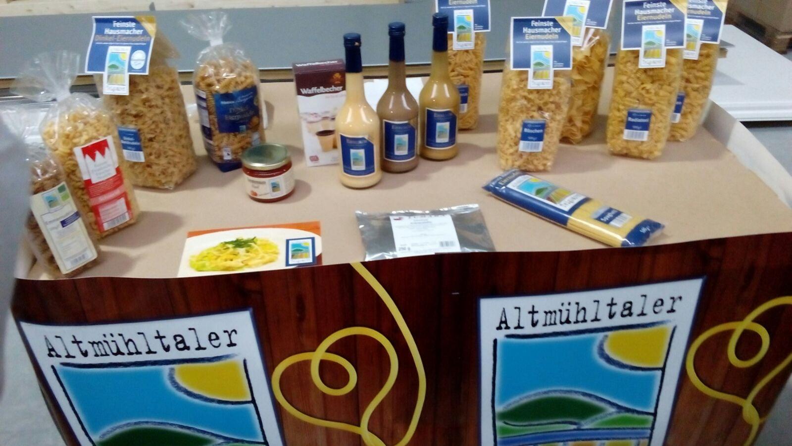 Produkte der Nudelfabrik, die wir anschließend im Hofladen erwerben konnten.