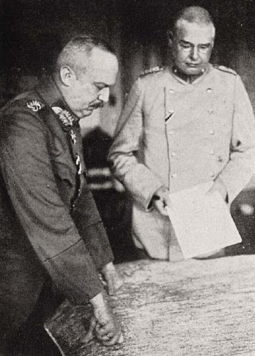 Erich Ludendorff (l) en Max Hoffmann. Bruckmann, F. Grosser Bilderatlas des Weltkrieges; 1915-1916.