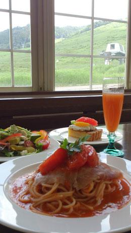 ランチ パスタ ピザ ケーキ 高山 飛騨高山 自然 森 ホワイトルンゼ 手作り テイクアウト スイーツ アップルパイ