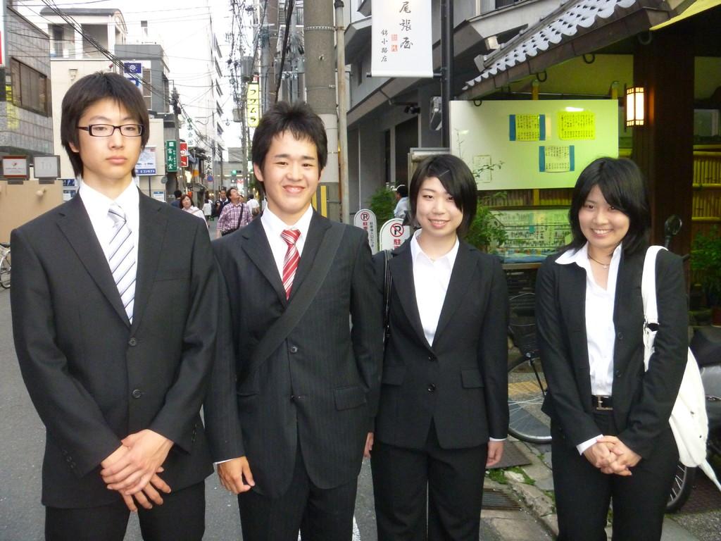 新入生 袖岡、湯澤、村上、太田