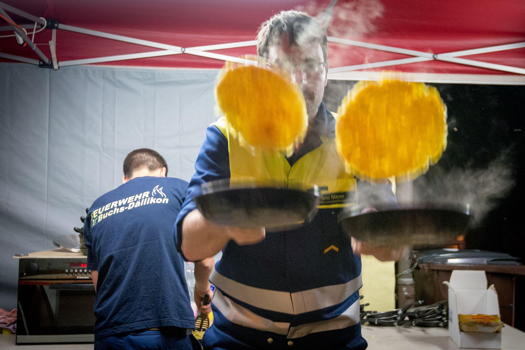 9 Feuerwehrverein Buchs-Dällikon: Rösti mit Speck, Käse und Spiegeleiern