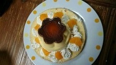 ケーキの残りの材料で プリンアラモードを作りましたのだ!