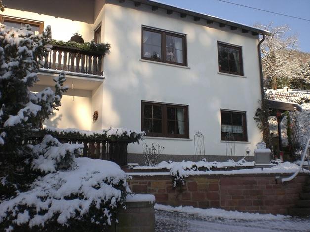 Ferienwohnung Familie Meyerhöfer, Eußerthal, im Winter, verschneit