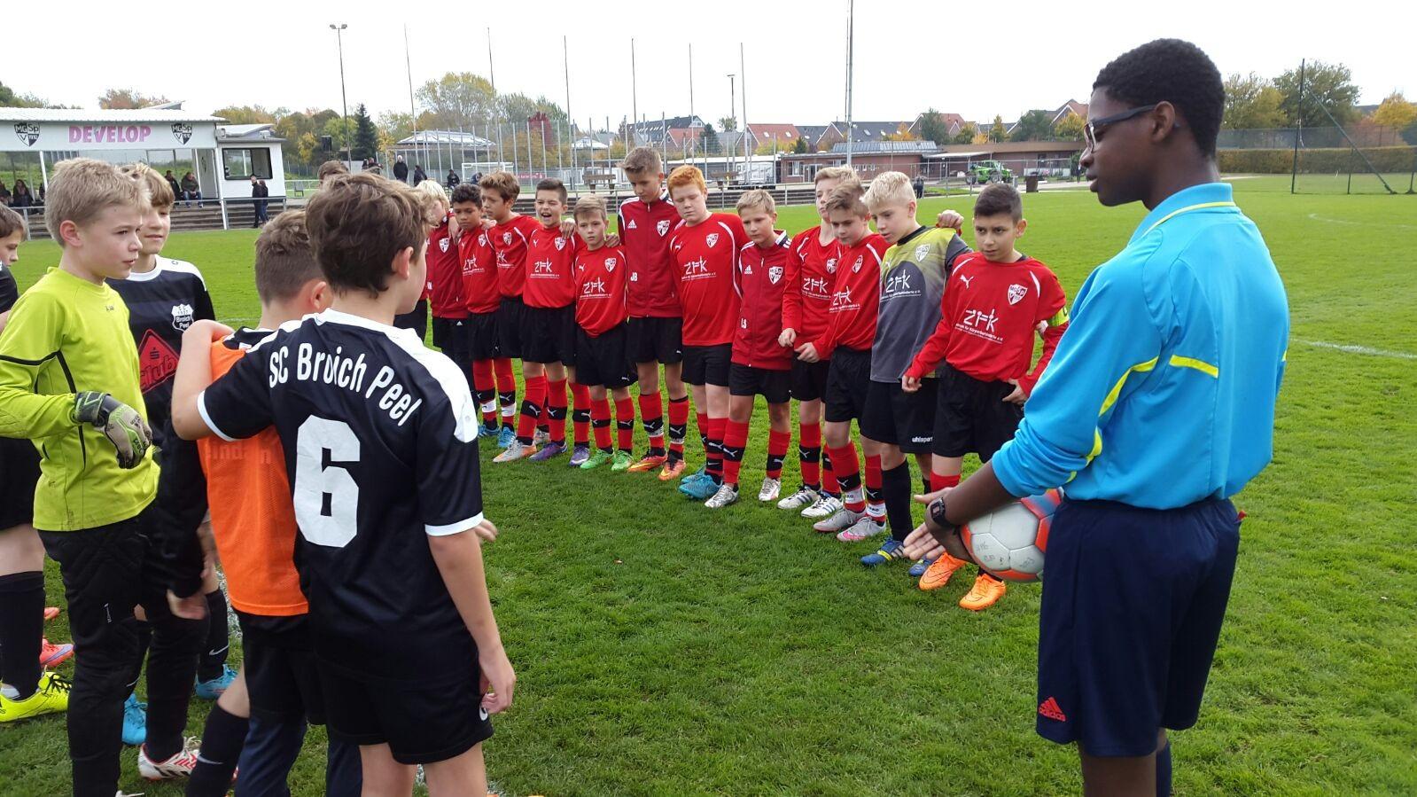 24.10.2015 - 7:0 Erfolg gegen Broich Peel
