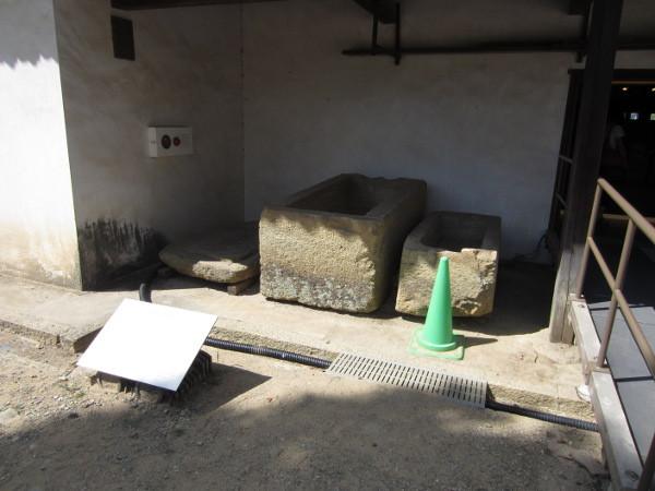 石積に使われていた石棺(実物)