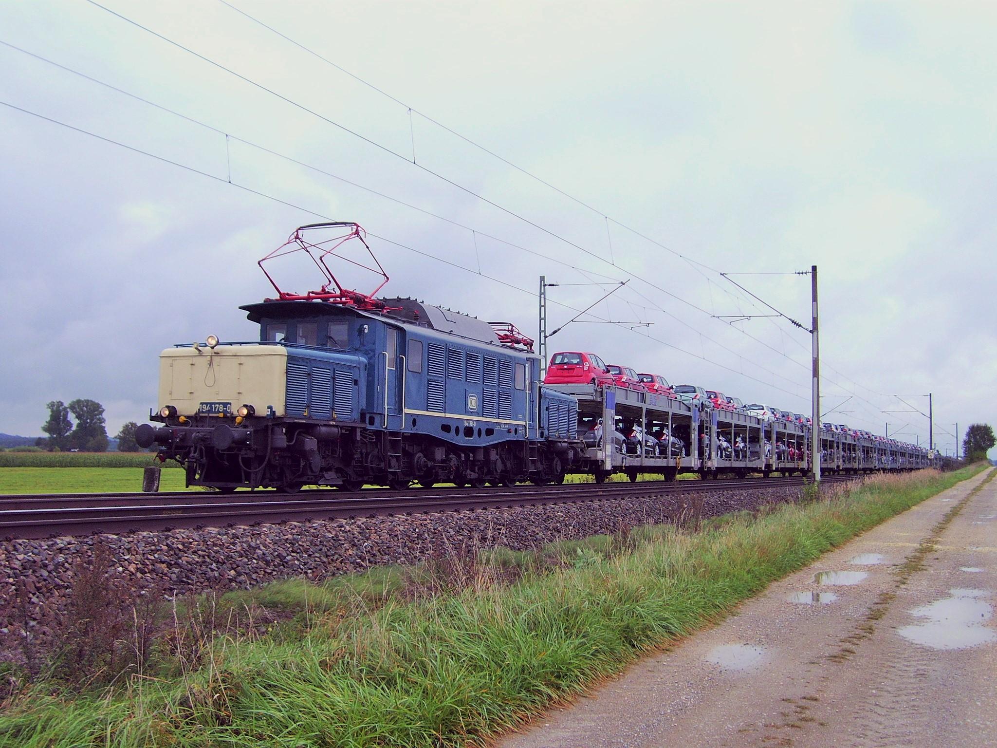 Neuwagentransport mit 194 178-0