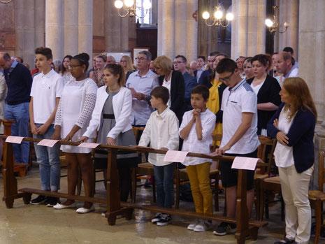Cliquez pour accès à: Baptême-Première Communion 20 mai 2018