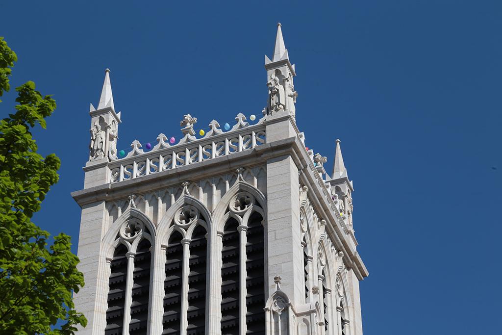Cliquez pour accès à: Cathédrale Pâques 2020