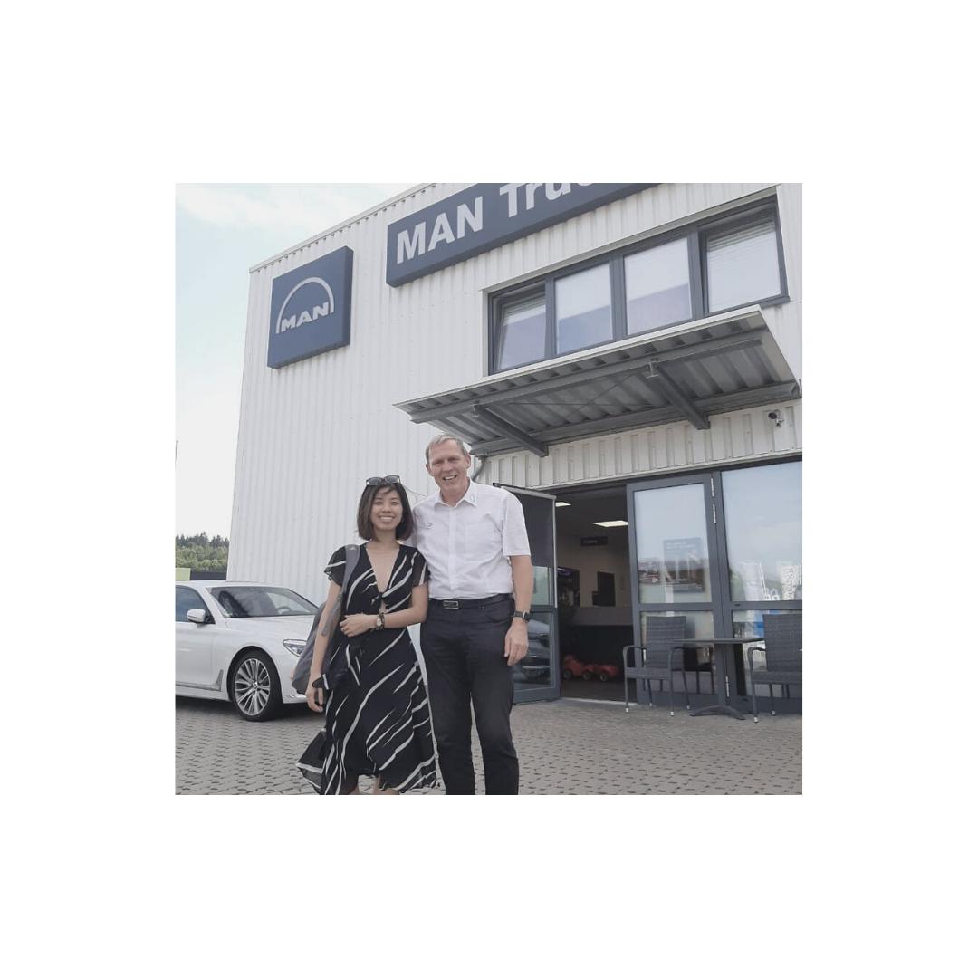 gặp gỡ chủ tịch Handwerkskammer Süd-Thüringen Đức và doanh nghiệp của ông