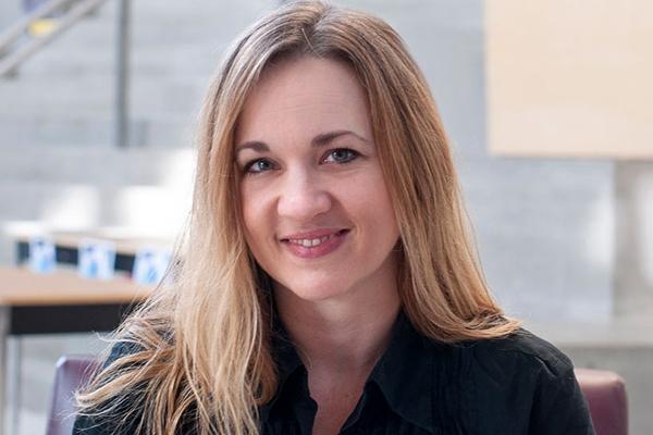 Giải Nobel Hòa bình-PGS.TS. Giáo sư Jessica Stites Mor, Lịch sử, Irving K. Barber Trường Nghệ thuật và Khoa học