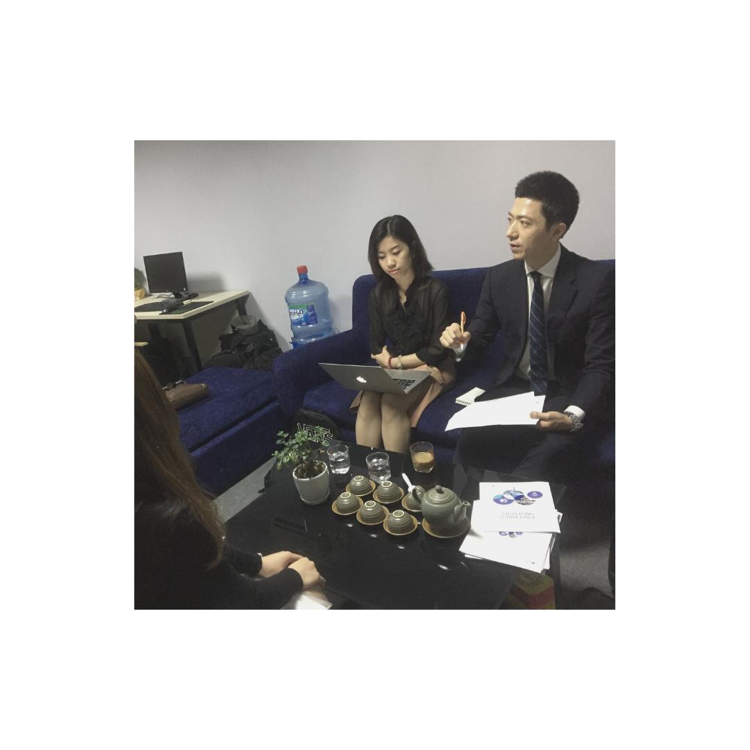 gặp đại diện trường từ Hàn Quốc