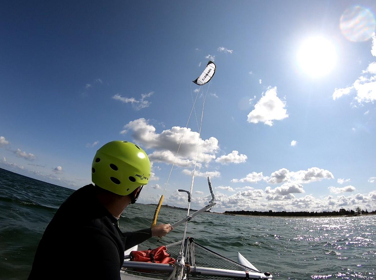 XCAT Kitesegeln   Kitesurfen mit dem Katamaran