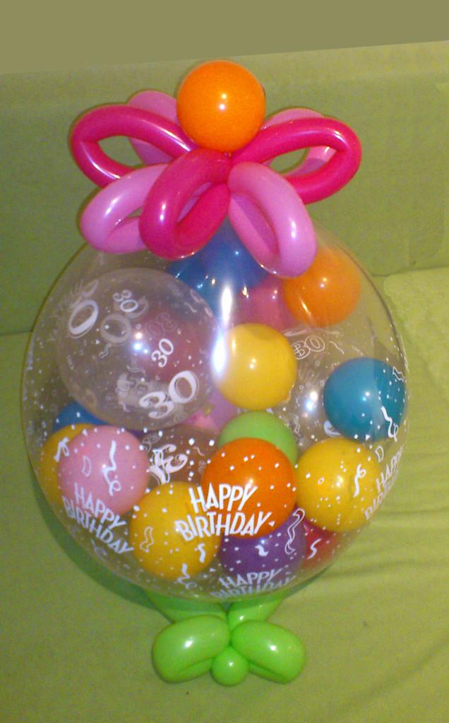 """Geburtstagsgeschenk: Stuffed Balloon """"Happy Birthday"""" mit kleinen Ballons in denen Gutscheine oder Geldscheine verpackt sind"""