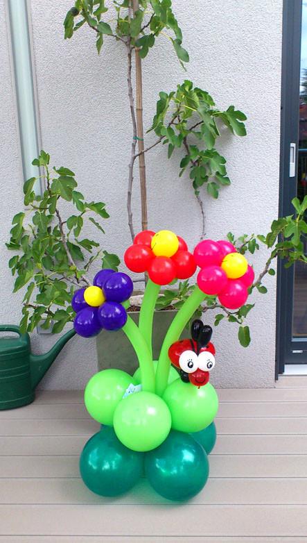 Blumenstrauss mit Marienkäfer