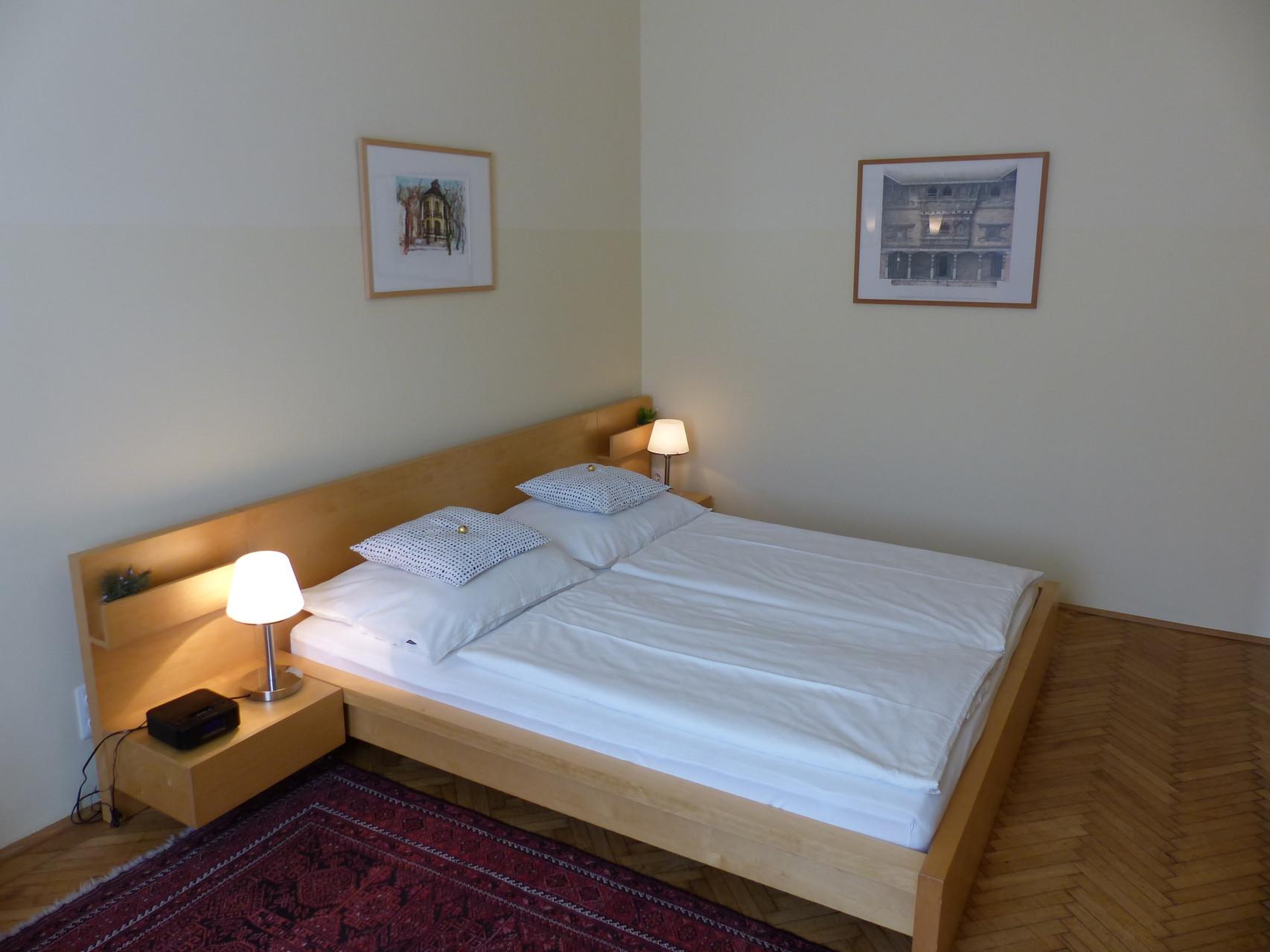 Zimmer zum Hof