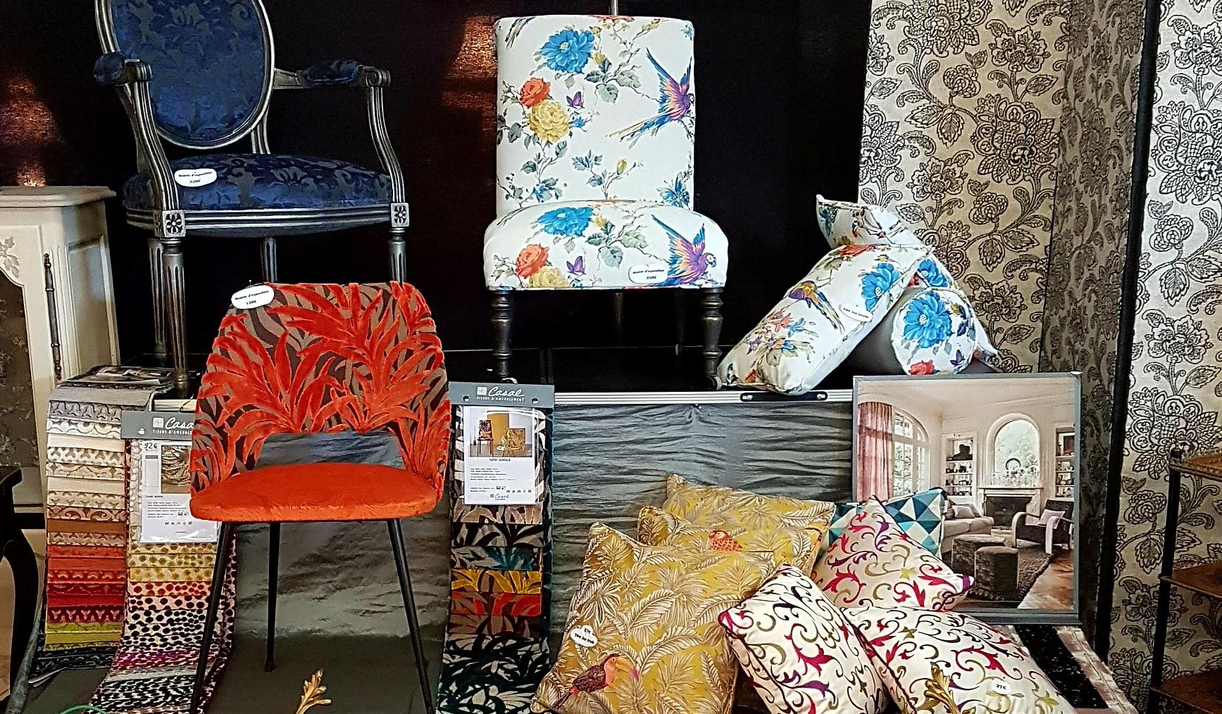 ambiance tapissier vous invite visiter ses deux. Black Bedroom Furniture Sets. Home Design Ideas