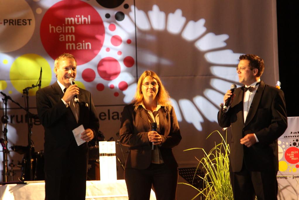 Michael Hofmann und Frank Füglein moderieren den Abend mit französischer Übersetzerin