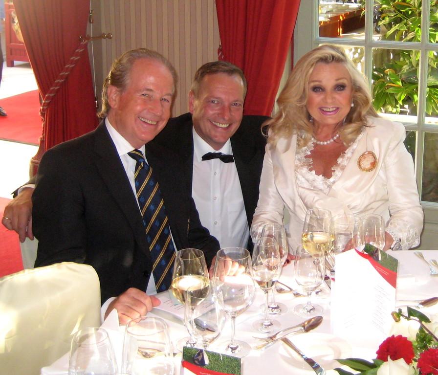 Max und Gundel Schautzer mit Michael Hofmann von den Tenders