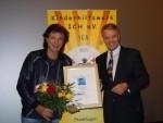 """Olaf von den """"Flippers"""" und Präsident Dieter Kindermann"""