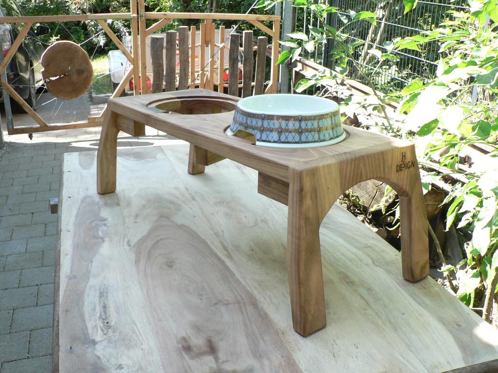 Holzgestell aus Nußbaum