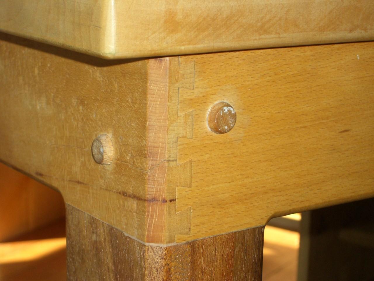 Esszimmertisch aus Ahorn