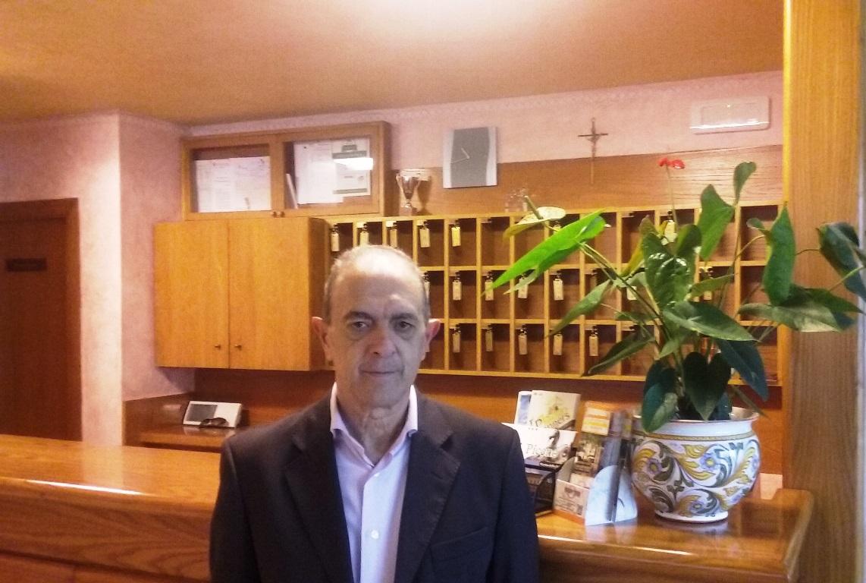 A completare lo staff della reception Leonardo Faini, con noi fin dal 1983...
