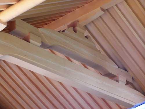 お寺の内屋根